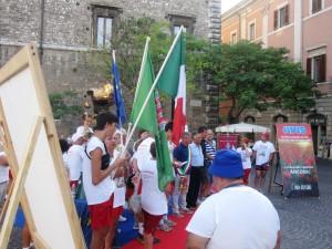 Passerella Telfer. L'assessore Silvano Ricci, protagonista della vicenda, rappresenta il sindaco durante una manifestazione dell'Avis