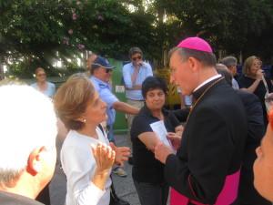 EX CAMUZZI vescovo terni discute con un abitante del quartere stazione